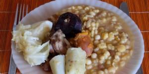 Cachupa pode vir a ser 'património mundial da culinária'